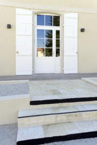 Porte d'entrée de l'hébergement